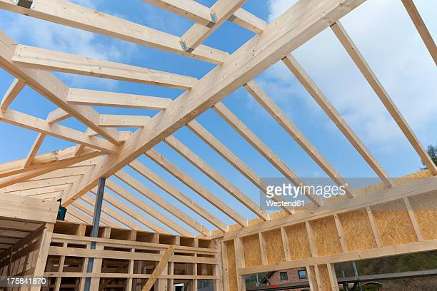 Europe, Germany, Rhineland Palatinate, Construction of house roof