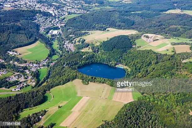 Europe, Germany, Rhineland Palatinate, View  of Gemundener Maar