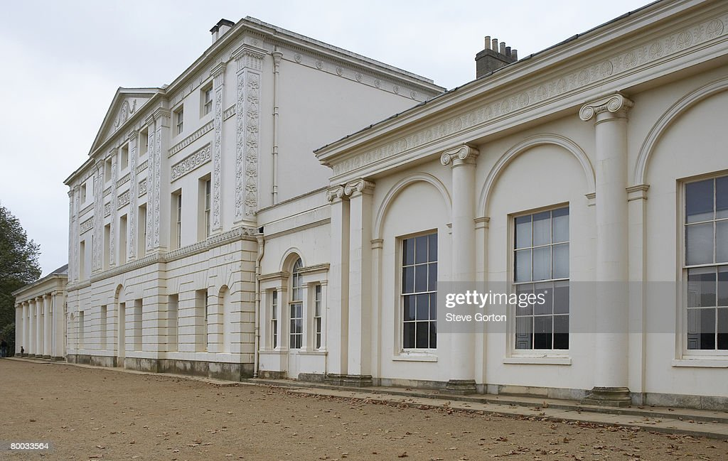 Europe, Great Britain, England, London, Hampstead, Kenwood House, extension housing the library in the foreground : Foto de stock