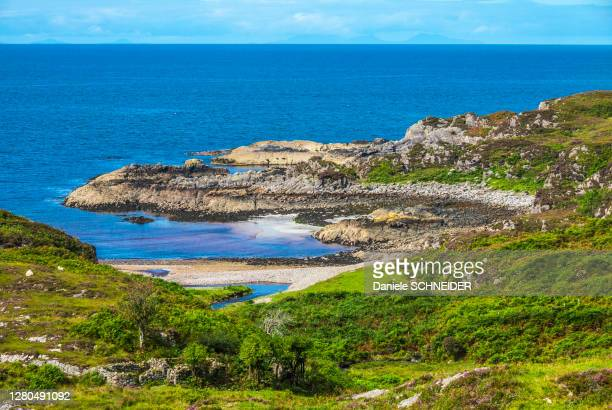 europe, great britain, scotland, hebrides, south-east of the isle of skye, cove by the ocean at point of sleat - hebriden inselgruppe stock-fotos und bilder