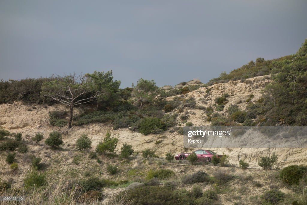 Europe, Greece, 2018: View Of Car On Steep Rural Road : Stock-Foto