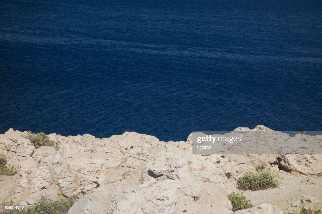 Europe, Greece, Cyprus, Cape Greko, Agioi Anargyroi Area, 2017: View Of Deserted Rocky Beach Seascape : Stock-Foto