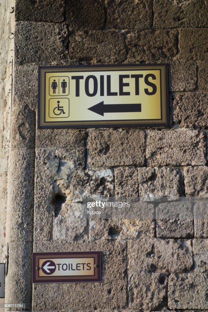 Castle street public toilets