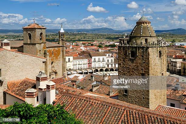 Europe, Spain, Extremadura, Trujillo, View of narrow lane in historic old town