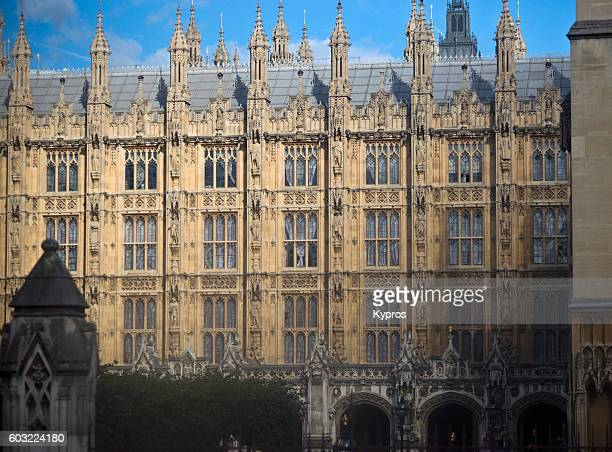 Europe, Uk, England, London, Westminster Area, View Of Houses Of Parliament