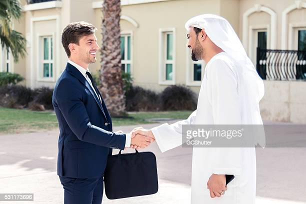 Les entreprises européennes Exécutif répond à un homme d'affaires arabe
