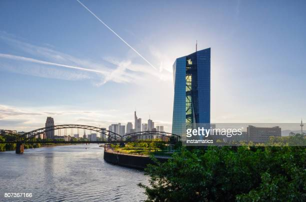 european central bank building in frankfurt - frankfurt main tower stock pictures, royalty-free photos & images