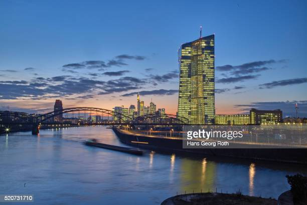 european central bank ecb with banks skyline - european central bank stock pictures, royalty-free photos & images