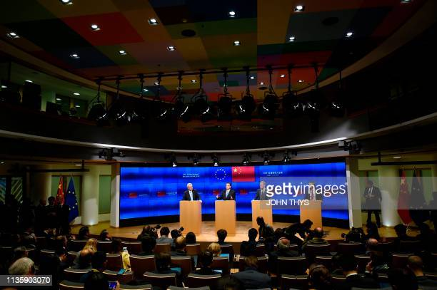 European Commission President JeanClaude Juncker Chinese Prime Minister Li Keqiang and European Council President Donald Tusk give a joint press...