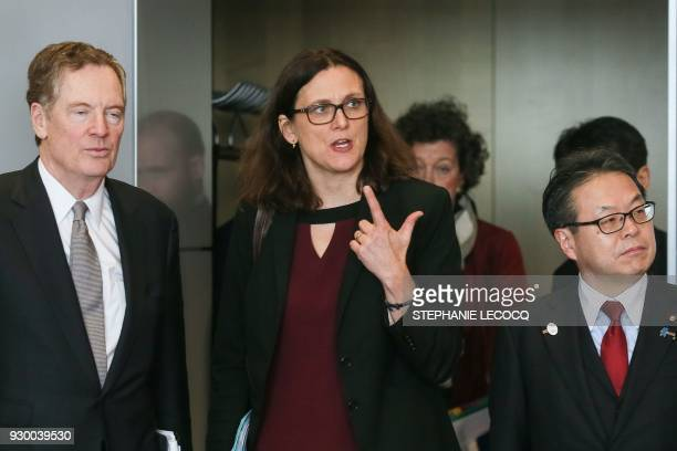 TOPSHOT European Commissioner for Trade Cecilia Malmstrom US trade representative Robert Lighthizer and Japan's Economy Minister Hiroshige Seko...