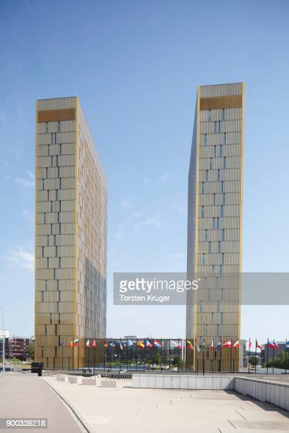 european court of justice with european flags, eu building, kirchbergan centre, luxembourg city, luxembourg, luxembourg - リュクサンブール州 ストックフォトと画像