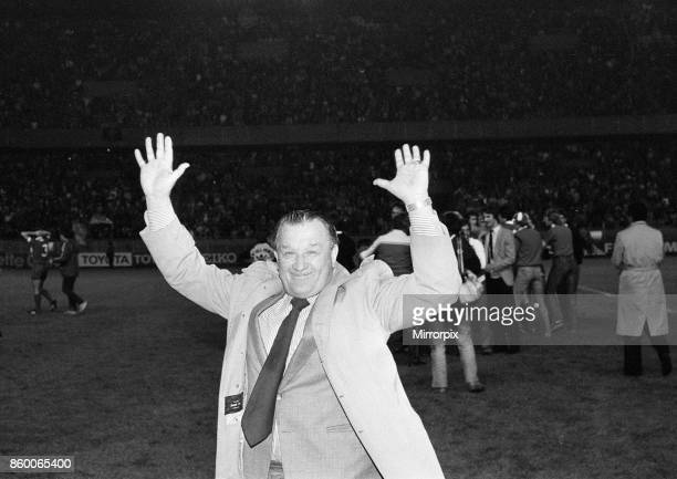 European Cup Final at the Parc Des Princes in Paris France Liverpool 1 v Real Madrid 0 Triumphant Liverpool manager Bob Paisley takes the applause of...