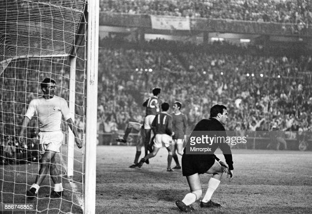 European Cup Semi Final Second Leg match at the Santiago Bernabeu Stadium in Madrid Real Madrid and Manchester United drew the match 33 but United...