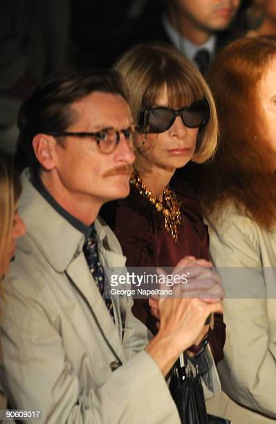 European Editor at Large for Vogue Hamish Bowles and Vogue EditorinChief Anna Wintour attend Rag Bone Spring 2010 during MercedesBenz Fashion Week at...