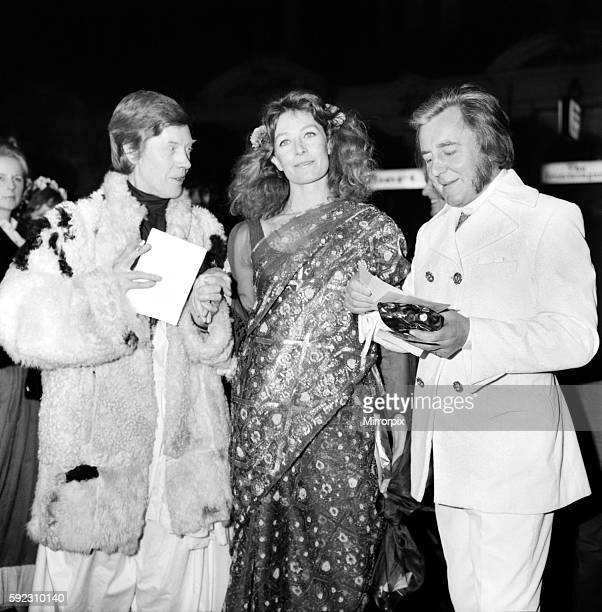 """European Film Premier, at the Odeon, St. Martins Lane for """"Isadora"""" arrivals at the theatre. Pip Dyer Vanessa Redgrave and Richard Buckley. March..."""