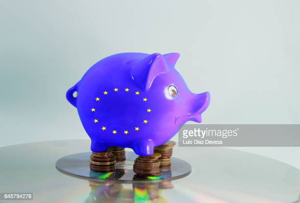 european funds endangered by brexit - emigración e inmigración stock-fotos und bilder