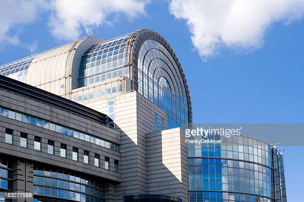 european parliament building in brussels - brussels capital region stock pictures, royalty-free photos & images