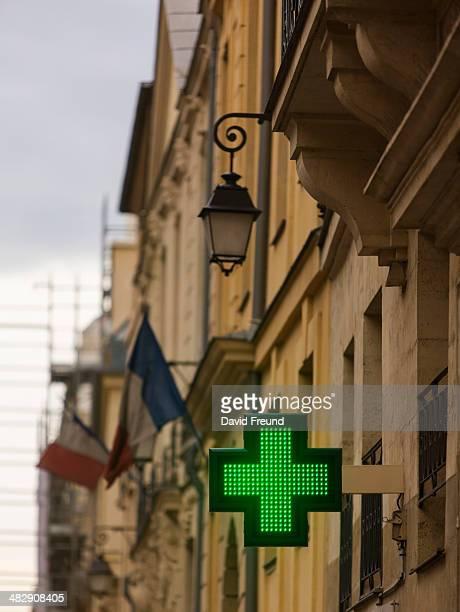 european pharmacy - david cruz fotografías e imágenes de stock