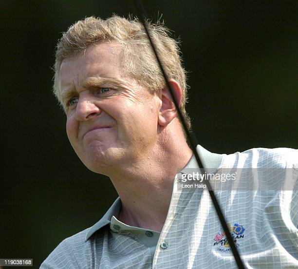 European Team Member Colin Montgomerie practices his putting during Tuesday's practice session for the Ryder Cup 2004 at Oakland Hills Country Club...