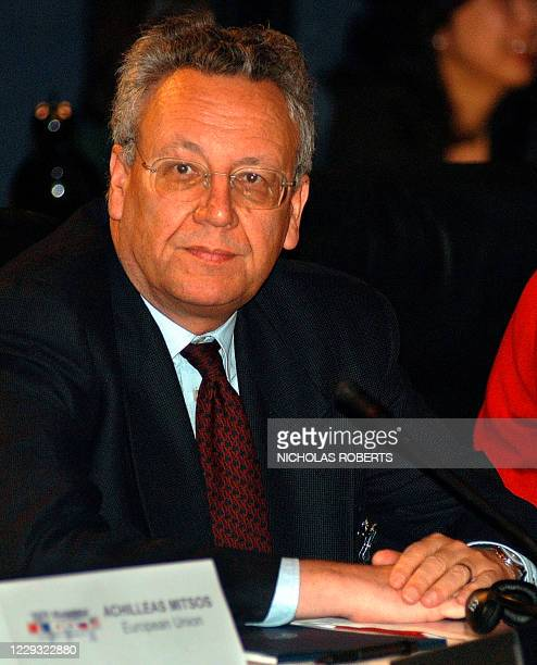 European Union Research Commissioner Philippe Busquin waits for the beginning of the ITER delegation meeting in Reston, VA, 20 December 2003 about a...