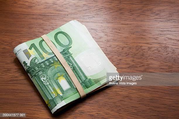 100 euros banknotes - banconote euro foto e immagini stock