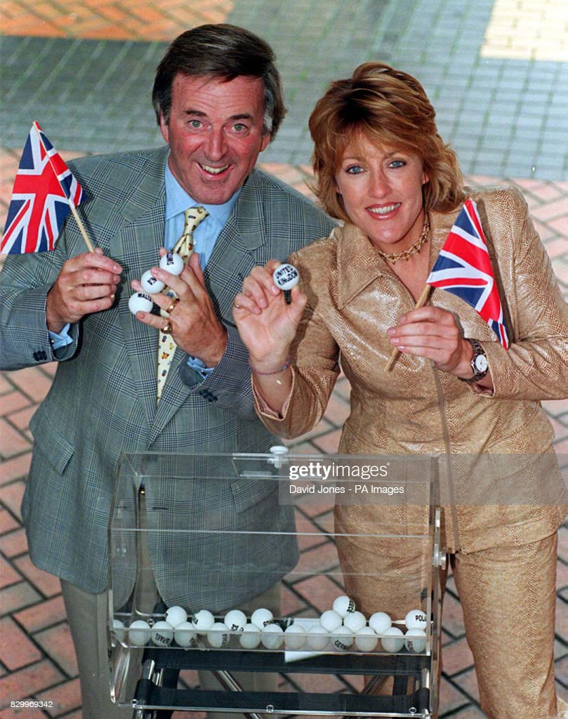 Eurovision Wogan/Katrina : News Photo