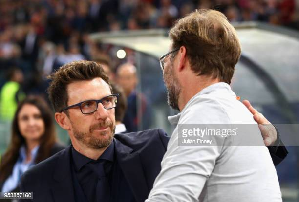 Eusebio Di Francesco coach of AS Roma shakes hands with Jurgen Klopp during the UEFA Champions League Semi Final Second Leg match between AS Roma and...