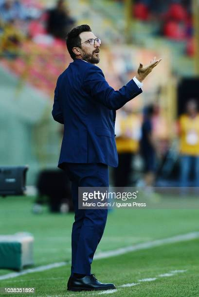 Eusebio DI Francesco head coach of AS Roma gestures during the serie A match between Bologna FC and AS Roma at Stadio Renato Dall'Ara on September 23...