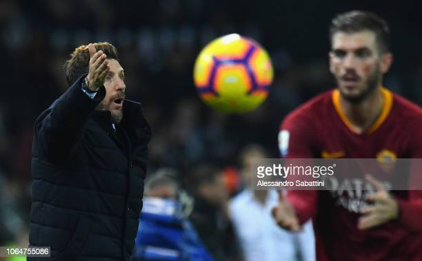 Eusebio Di Francesco head coach of AS Roma issues instructions to his players during the Serie A match between Udinese and AS Roma at Stadio Friuli...