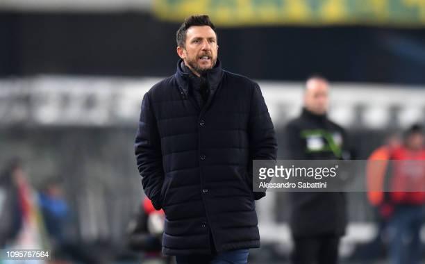 Eusebio Di Francesco head coach of AS Roma reacts during the Serie A match between Chievo Verona and AS Roma at Stadio Marc'Antonio Bentegodi on...