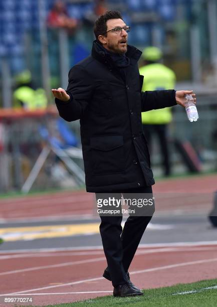 Eusebio Di Francesco head coach of AS Roma reacts during the serie A match between AS Roma and US Sassuolo at Stadio Olimpico on December 30 2017 in...