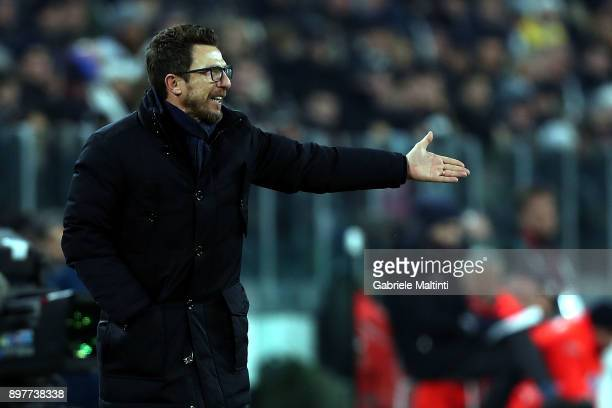 Eusebio Di Francesco manager of AS Roma instructions to his players during the serie A match between Juventus and AS Roma at the Alliannz Stadium on...