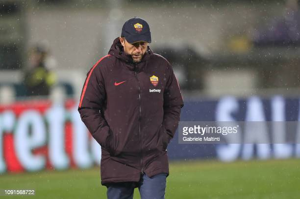 Eusebio Di Francesco manager of AS Roma looks on during the Coppa Italia match between ACF Fiorentina and AS Roma at Stadio Artemio Franchi on...