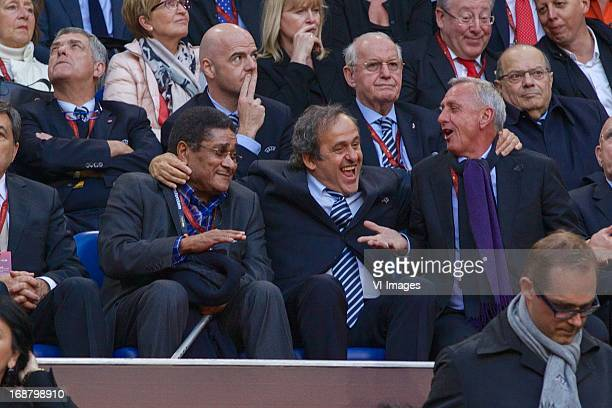 Eusebio, Michel Platini, Johan Cruijff during the UEFA Europa League final match between SL Benfica and Chelsea FC on May 15, 2013 at the Amsterdam...