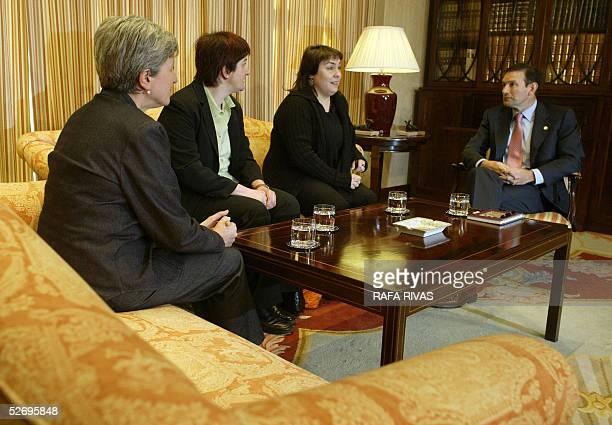 Euskal Herrialdetako Alderdi Komunista members Karmele Berasategi Nekane Erauzkin and Maite Aranburu chat with Basque government president Juan Jose...
