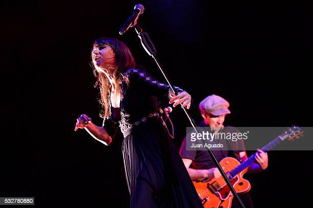 Eva Amaral and Juan Aguirre of Amaral perform on stage at Barclaycard Center in Madrid on May 19, 2016 in Madrid, Spain.
