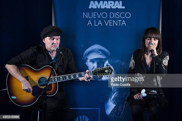 Eva Amaral and Juan Aguirre of 'Amaral' present their new album 'Nocturnal' on November 2 2015 in Madrid Spain