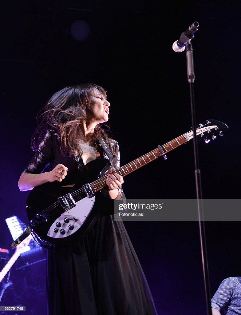 Amaral Perform in Concert in Madrid : Fotografía de noticias