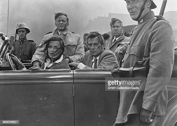 Eva BartokTony Britton Peter Finch and Alexander Knox 1959