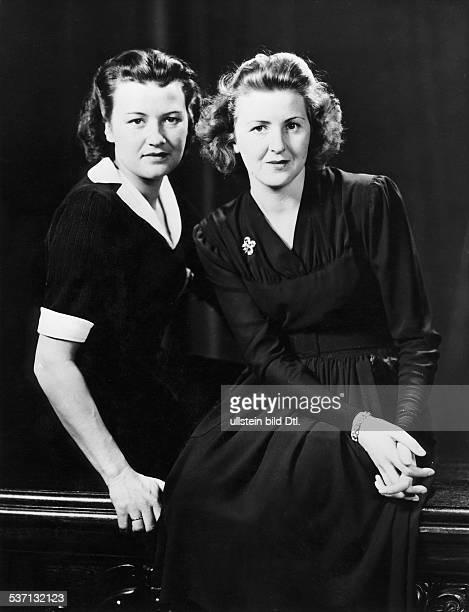 Eva BraunEva BraunGretl Fegelein Lebensgefährtin Adolf Hitlers EB mit ihrer Schwester Gretl Fegelein 1944