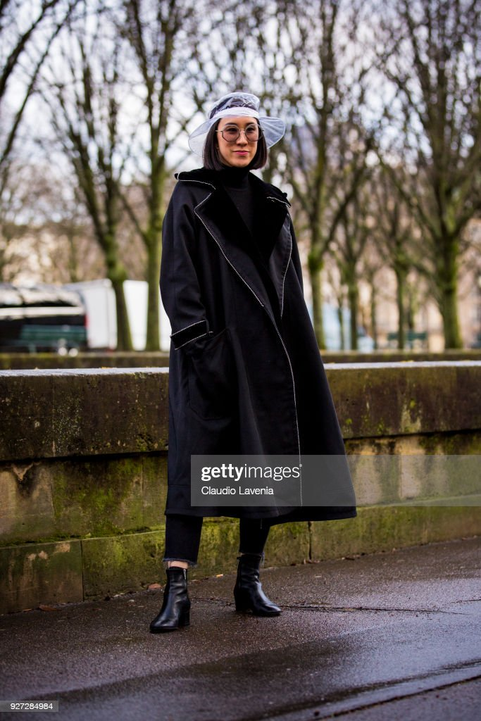Street Style   Paris Fashion Week Womenswear Fall Winter 2018 2019   Day  Seven c6b45776994