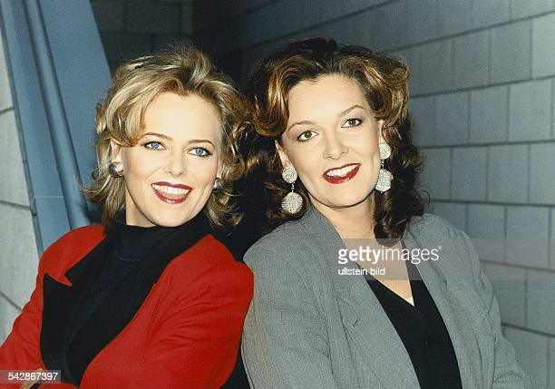 Eva Herman und Bettina Tietjen ab die Moderatorinnen der Talkshow Herman Tietjen Aufgenommen Dezember 1996
