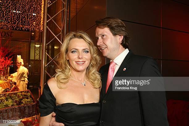 Eva Herman Und Ehemann Michael Bischoff Bei Der Aftershow Party Zur Ein Herz Für Kinder Spendengala In Der Ullstein Halle In Berlin