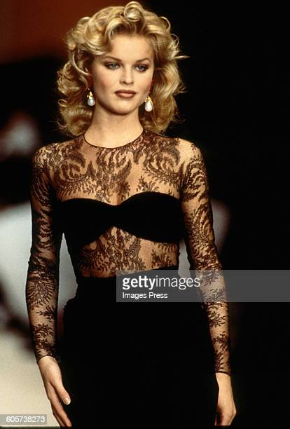 Eva Herzigova at the Oscar de la Renta Spring 1993 show circa 1992 in New York City.
