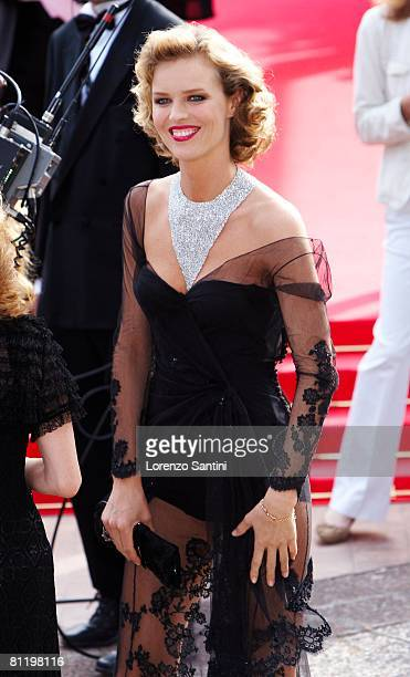 Eva Herzigova attends the Che premiere at the Palais des Festivals during the 61st International Cannes Film Festival on May 21 2008 in Cannes France
