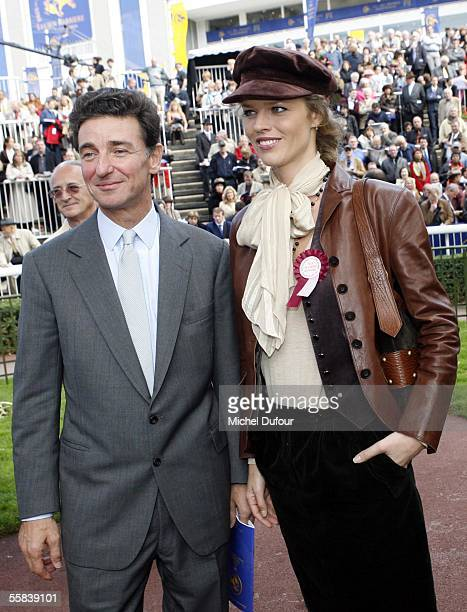 Eva Herzigova with Baron Edouard de Rothschild attend the Grand Prix de l'Arc de Triomphe world contest of gallop horses at Longchamp on October 2...
