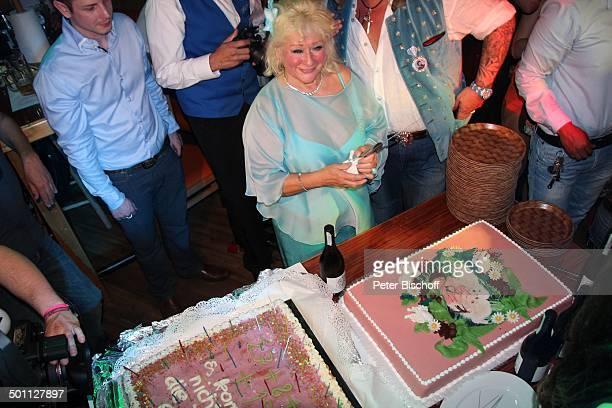 Eva Jacob Feier zum 70 Geburtstag von Eva Jacob Lokal Hooters Sachsenhausen Frankfurt/Main Hessen Deutschland Europa Kuchen PartyMeile...
