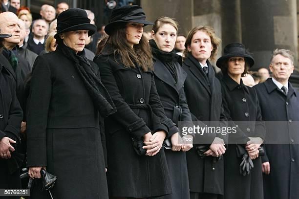 Eva Koehler and Johannes Rau's children Anna Christina, Laura, Philip Imanuel, his widow Christina Rau and Horst Koehler, German President attend the...