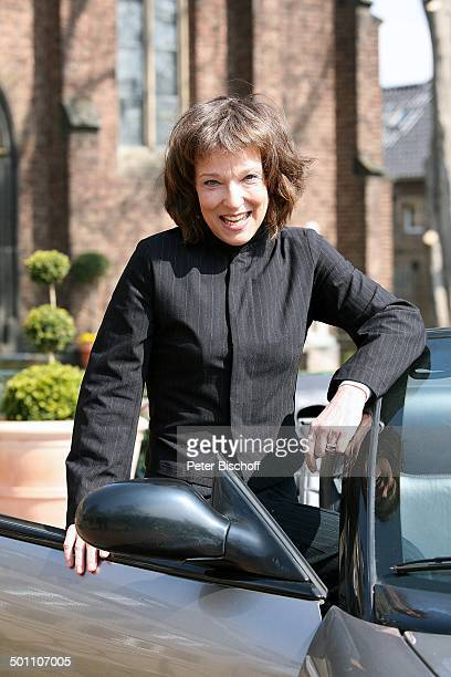 """Eva Kryll, Dreharbeiten zur ZDF-Krimi-Reihe """"Wilsberg"""", Folge 25 """"Das Jubiläum"""", """"Burg Bergerhausen"""", Kerpen-Bergerhausen, Nordrhein-Westfalen ,..."""