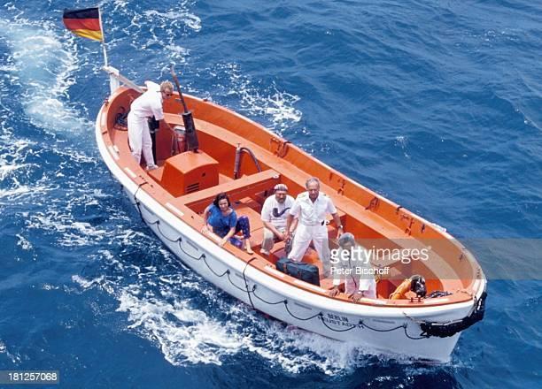 "Eva Kryll, Rolf Hoppe, Horst Naumann, , Dreharbeiten zur ZDF-Reihe ""Traumschiff"", Folge 22, ""Indien/Malediven"", Episode 2: ""Gemischtes Doppel"", , MS..."